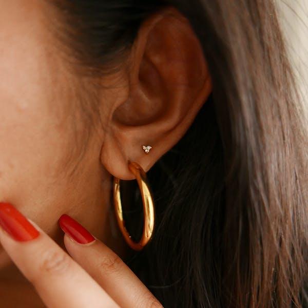 Crystal Trinity Threaded Flat Back Earring in 14k gold