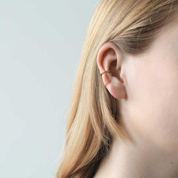 Classic Chain Ear Cuff on model