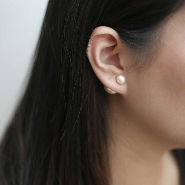 Isabelle Pearl Earrings on model
