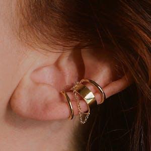 Arc Chain Ear Cuff on model