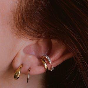 Classic Cartilage Hoop on model (Titanium - Gold)